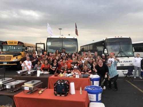 Tailgate Party Group Pic1
