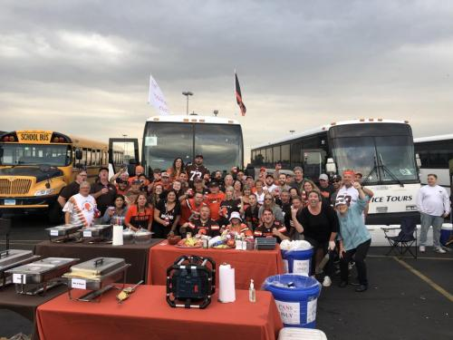 Tailgate Party Group Pic2
